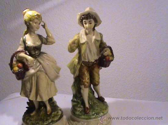 Antigüedades: Preciosa pareja de campesinos porcelana tipo biscuit. - Foto 10 - 34705810