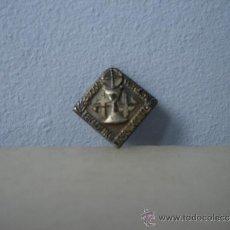 Antigüedades: ANTIGUA INSIGNIA XXXV CONGRESO EUCARÍSTICO INTERNACIONAL 1952. CELEBRADO EN BARCELONA. + ESTAMPA . Lote 34709333