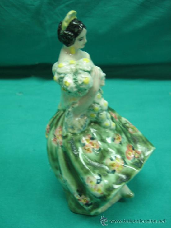 Antigüedades: Figura antigua de porcelana Fallera Valenciana. Firma A. Peyró 16 cm - Foto 4 - 34737270