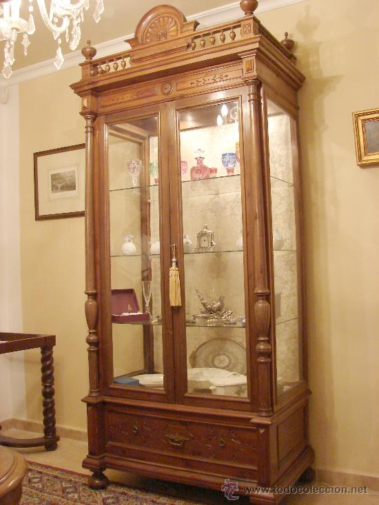 Vitrina alfonsina nogal sxix comprar vitrinas - Fotos de muebles antiguos ...