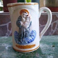 Antigüedades: ANTIGUA JARRA DE MANISES PINTADA A MANO Y CON SAN ANTONIO EN RELIEVE.. Lote 34781709