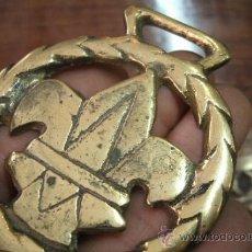 Antigüedades: ANTIGUO CAIREL O ADEREZO PARA CINCHO DE CABALLO IRLANDES PORTEADOR DE BARRILES DE CERVEZA - BRONCE. Lote 34895104