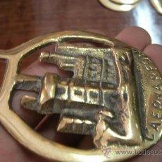 Antigüedades: ANTIGUO CAIREL O ADEREZO PARA CINCHO DE CABALLO IRLANDES PORTEADOR DE BARRILES DE CERVEZA - BRONCE. Lote 34895172