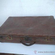 Antigüedades: MALETA ANTIGUA EN CARTON PIEDRA. Lote 34897808