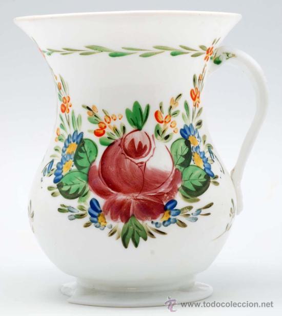JARRA EN OPALINA DE LA GRANJA CON DECORACIÓN FLORAL ESMALTADA S XIX (Antigüedades - Cristal y Vidrio - La Granja)