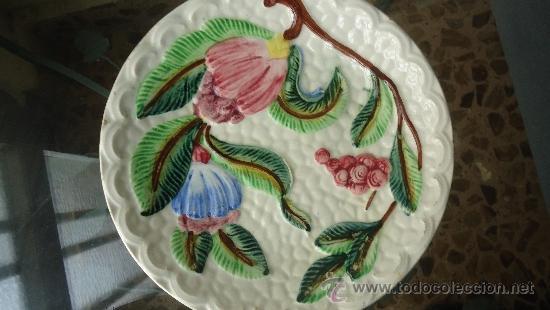 Antigüedades: Antiguos platos en cerámica Mayolica origenes de La Amistad Cartagena ,siglo XIX o primeros del XX - Foto 2 - 34988266