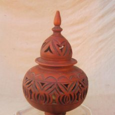 Antigüedades: LAMPARA DE SOBREMESA EN ARCILLA. Lote 35058849