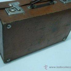 Antigüedades: MALETA DE CUERO DE VIAJE ANTIGUA AÑOS 40'S 50'S APROXI.. Lote 35184843