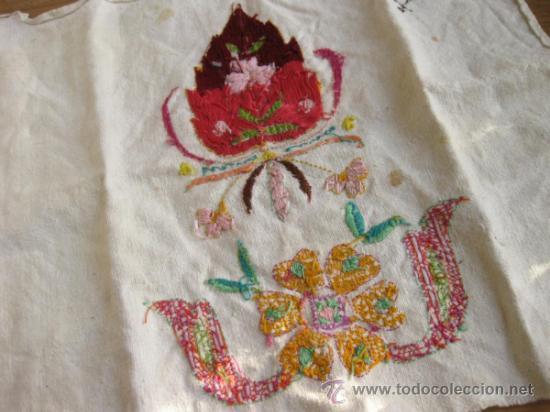 Antigüedades: ANTIGUA TELA DE LINO CON BORDADO Y PUNTO DE CRUZ - Foto 4 - 35238483