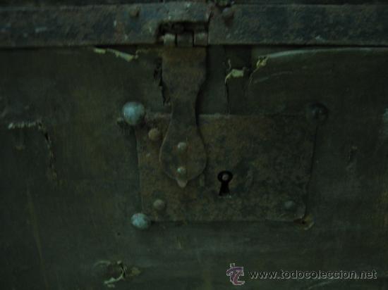 Antigüedades: Baul o Esporton antiguo de Torero. Forrado con el cartel de la retirada de Lagartijo. 44x42x68 cm - Foto 37 - 105631902