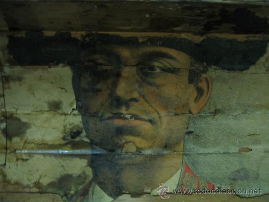 Antigüedades: Baul o Esporton antiguo de Torero. Forrado con el cartel de la retirada de Lagartijo. 44x42x68 cm - Foto 22 - 105631902