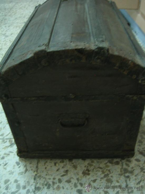 Antigüedades: Baul o Esporton antiguo de Torero. Forrado con el cartel de la retirada de Lagartijo. 44x42x68 cm - Foto 20 - 105631902