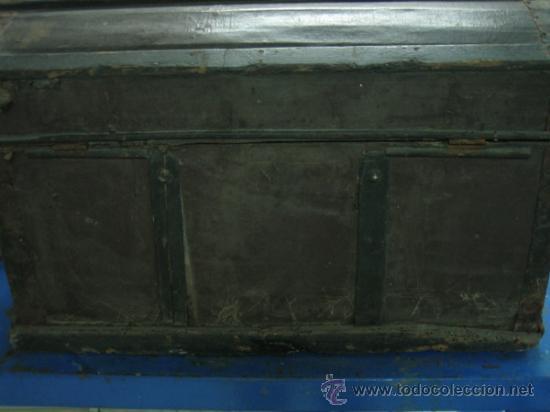 Antigüedades: Baul o Esporton antiguo de Torero. Forrado con el cartel de la retirada de Lagartijo. 44x42x68 cm - Foto 18 - 105631902