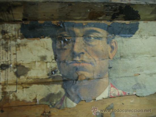Antigüedades: Baul o Esporton antiguo de Torero. Forrado con el cartel de la retirada de Lagartijo. 44x42x68 cm - Foto 16 - 105631902