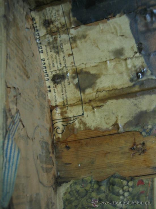 Antigüedades: Baul o Esporton antiguo de Torero. Forrado con el cartel de la retirada de Lagartijo. 44x42x68 cm - Foto 14 - 105631902