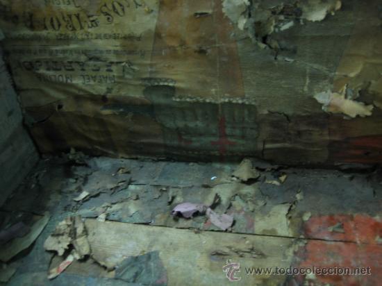 Antigüedades: Baul o Esporton antiguo de Torero. Forrado con el cartel de la retirada de Lagartijo. 44x42x68 cm - Foto 13 - 105631902
