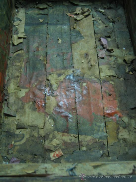 Antigüedades: Baul o Esporton antiguo de Torero. Forrado con el cartel de la retirada de Lagartijo. 44x42x68 cm - Foto 10 - 105631902