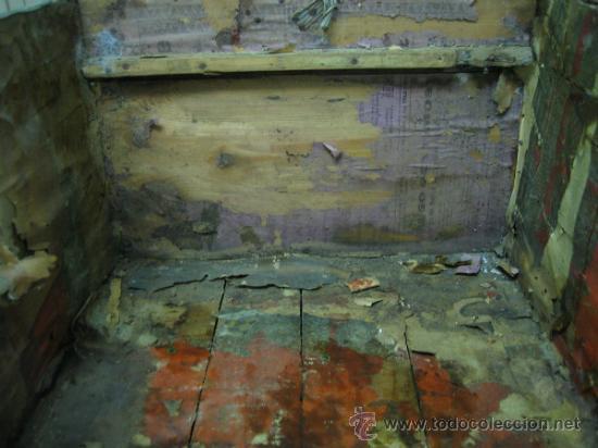 Antigüedades: Baul o Esporton antiguo de Torero. Forrado con el cartel de la retirada de Lagartijo. 44x42x68 cm - Foto 8 - 105631902