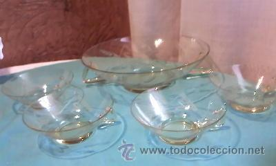 ANTIGUA PONCHERA DE CRISTAL CON DIBUJOS TALLADOS.CON 4 TAZAS PARA PONCHE.CRISTAL MUY FINO,AMARILLO. (Antigüedades - Cristal y Vidrio - Bohemia)