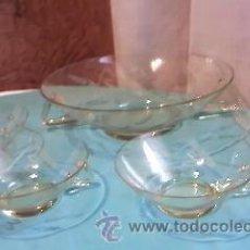 Antigüedades: ANTIGUA PONCHERA DE CRISTAL CON DIBUJOS TALLADOS.CON 4 TAZAS PARA PONCHE.CRISTAL MUY FINO,AMARILLO.. Lote 35278708
