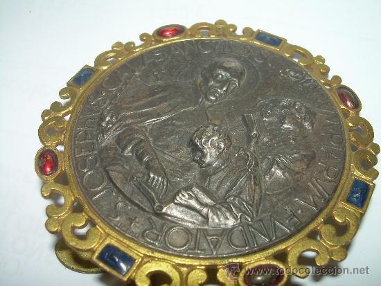 Antigüedades: ANTIGUO Y BONITO MEDALLON EN RELIEVE DE PLATA Y LATON...SAN JOSE DE CALASANS. - Foto 4 - 35341809