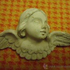 Antigüedades: ANTIGUO QUERUBIN CABEZA DE ANGEL , DESCONOZCO MATERIAL NO ES ESCAYOLA, 10 X 5,5 CM TIENE UN ALA PE. Lote 35348740
