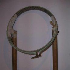Antigüedades: BASTIDOR DE BORDAR ANTIGUO- 25 CM DE DIAMETRO. Lote 35351198