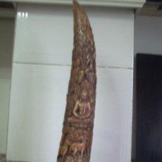 Antigüedades: ESPECTACULAR COLMILLO DE MARMOL MUY TRABAJADO.. Lote 35359157