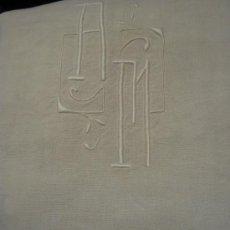 Antigüedades: ANTIGUA SÁBANA ART DECO DE LINO CON GRANDES INICIALES A.M. Y VAINICA . Lote 35360999