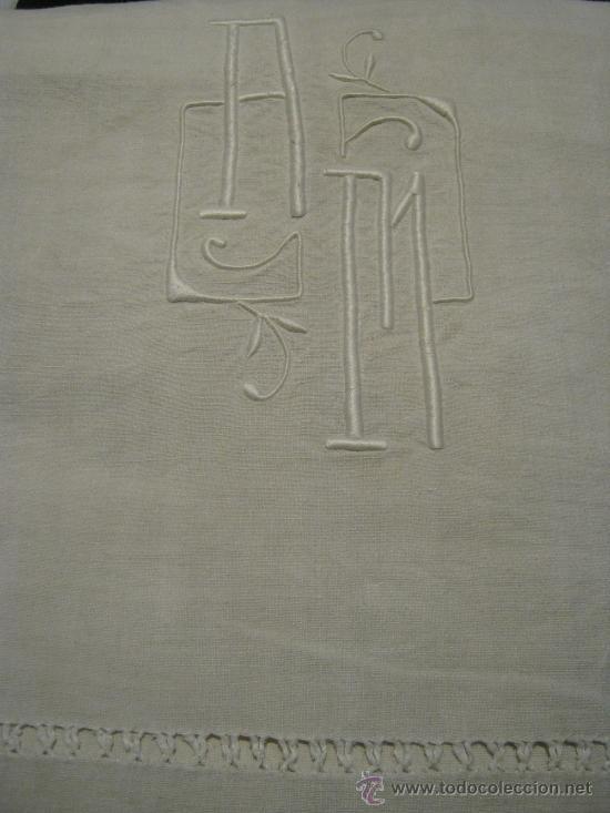 Antigüedades: ANTIGUA SÁBANA ART DECO DE LINO CON GRANDES INICIALES A.M. Y VAINICA - Foto 2 - 35360999