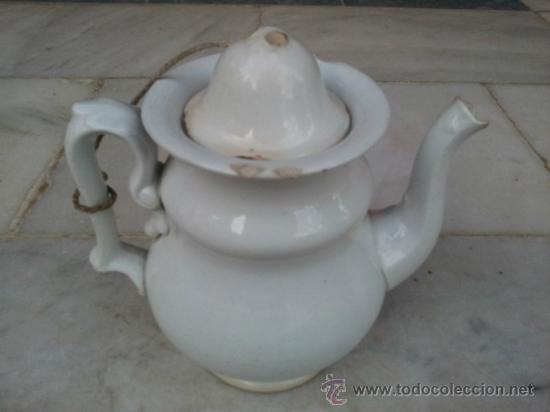 ANTIGUA TETERA DE PORCELANA BLANCA SIGLO XIX (Antigüedades - Porcelanas y Cerámicas - Otras)