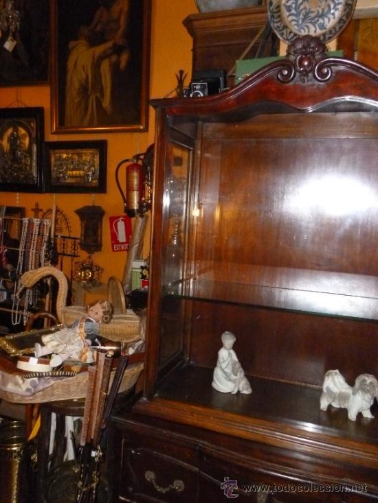 Antigüedades: VITRINA ANTIGUA NOGAL - Foto 10 - 35379714