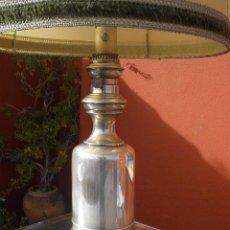 Antigüedades: ANTIGUA LAMPARA DE MESA, PIE METALICO. Lote 35392003