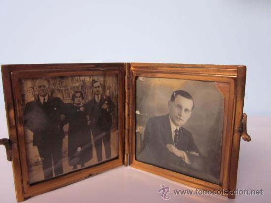 ANTIGUO PORTAFOTOS CON DOS FOTOS DE BOLSILLO DOBLE METAL CON PEQUEÑAS PIEDRAS INCRUSTADAS (Antigüedades - Hogar y Decoración - Portafotos Antiguos)