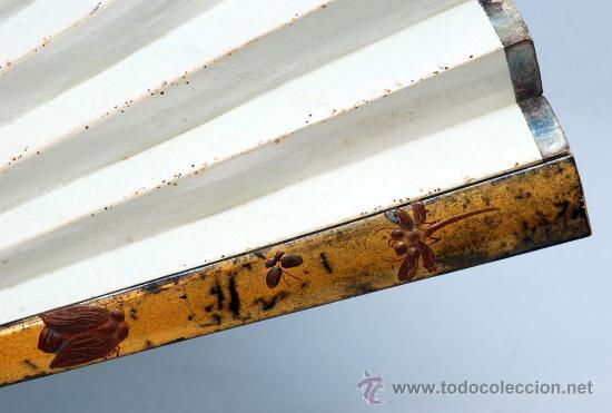 Antigüedades: Gran abanico chino varillaje en madera lacada pais de papel con garzas pintadas finales S XIX - Foto 4 - 35420814