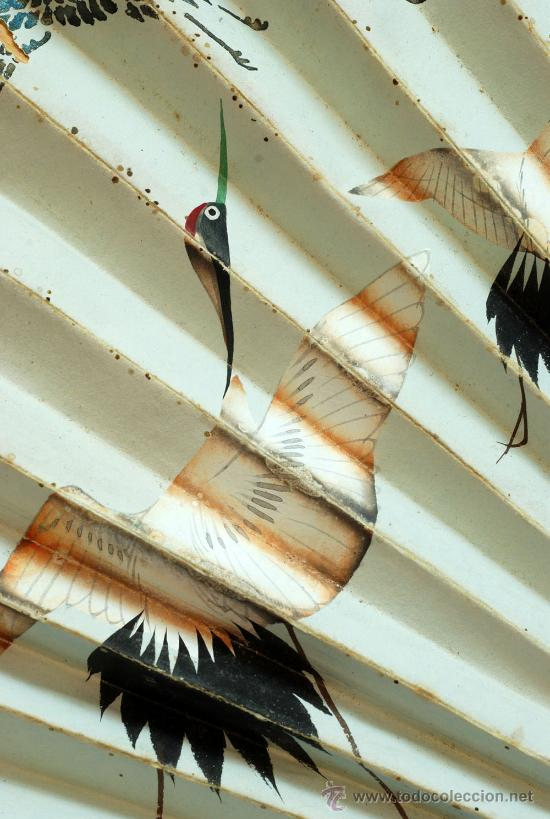 Antigüedades: Gran abanico chino varillaje en madera lacada pais de papel con garzas pintadas finales S XIX - Foto 7 - 35420814