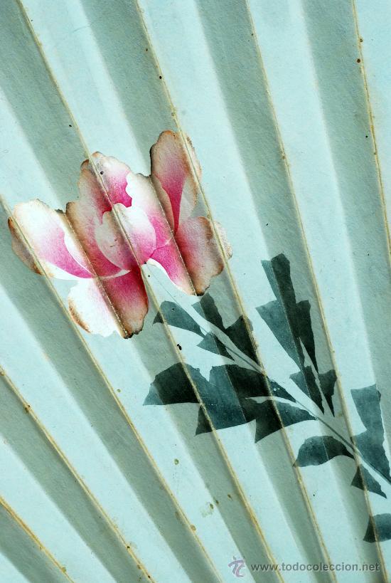 Antigüedades: Gran abanico chino varillaje en madera lacada pais de papel con garzas pintadas finales S XIX - Foto 12 - 35420814