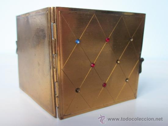 Antigüedades: ANTIGUO PORTAFOTOS CON DOS FOTOS DE BOLSILLO DOBLE METAL CON PEQUEÑAS PIEDRAS INCRUSTADAS - Foto 2 - 35477512