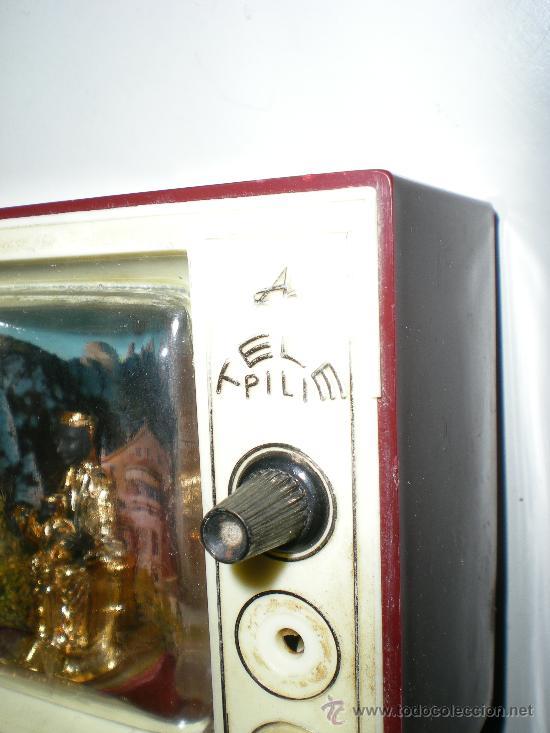 Antigüedades: antigua caja de música televisión en baquelita virgen de monserrat con luz japan años 50 60 - Foto 5 - 35422631