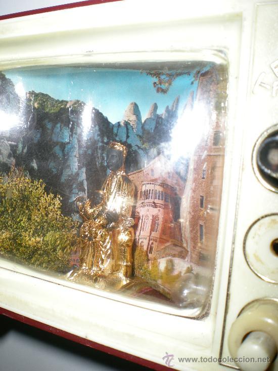 Antigüedades: antigua caja de música televisión en baquelita virgen de monserrat con luz japan años 50 60 - Foto 6 - 35422631