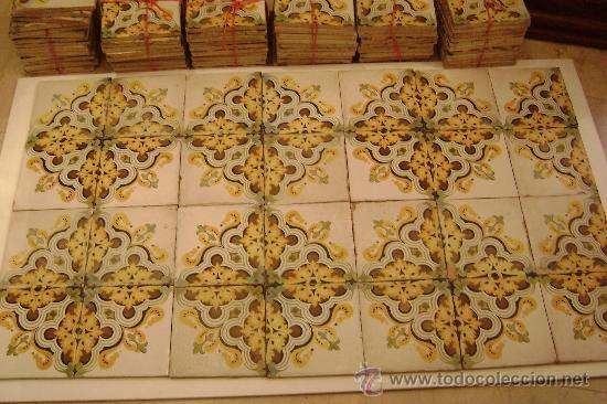 ONDA.CONJUNTO DE CIENTO SETENTA Y DOS AZULEJOS .VALENCIA 1900 (Antigüedades - Porcelanas y Cerámicas - Azulejos)