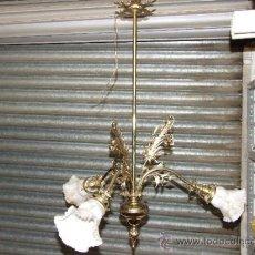 Antigüedades: LAMPARA DE BRONCE DE 3 LUCES RESTAURADA Y ELECTRIFICADA DE NUEVO. Lote 35471406