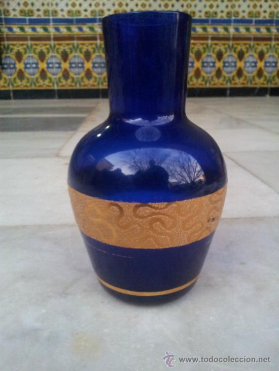 Antigüedades: Antigua botella en cristal azul con bonita decoración en Oro - Foto 5 - 35524434
