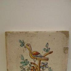Antigüedades: AZULEJO CON PAJARO EN UNA RAMA.VALENCIA. Lote 35525364