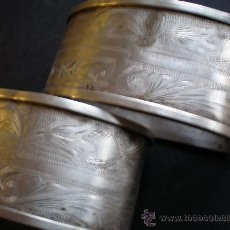 Antigüedades - SERVILLETEROS DE PLATA CON PUNZONES DE PLATERO GRABADO Y FLOREADOS - 35538214