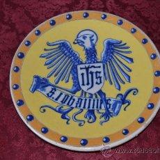 Antigüedades: FANTASTICO PLATO CON AGUILA DE TRIANA (SEVILLA). Lote 35588286