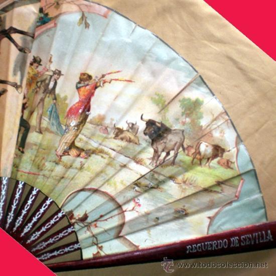 Antigüedades: GRAN ABANICO FINALES S. XIX, TIPO COCARDA CIRCULAR. DECORADO CON -RECUERDO DE SEVILLA- TAUROMAQUIA - Foto 8 - 35591700