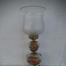 Antigüedades: LAMPARA DE SOBREMESA DE BRONCE Y CERAMICA. Lote 35593946