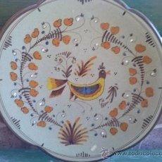 Antigüedades: VIEJO PLATO DE MANISES, FIRMADO S.MORA Y NUMERADO.. Lote 35673382