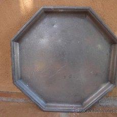 Antigüedades: BANDEJA DE ESTAÑO FRANCÉS. Lote 35768458